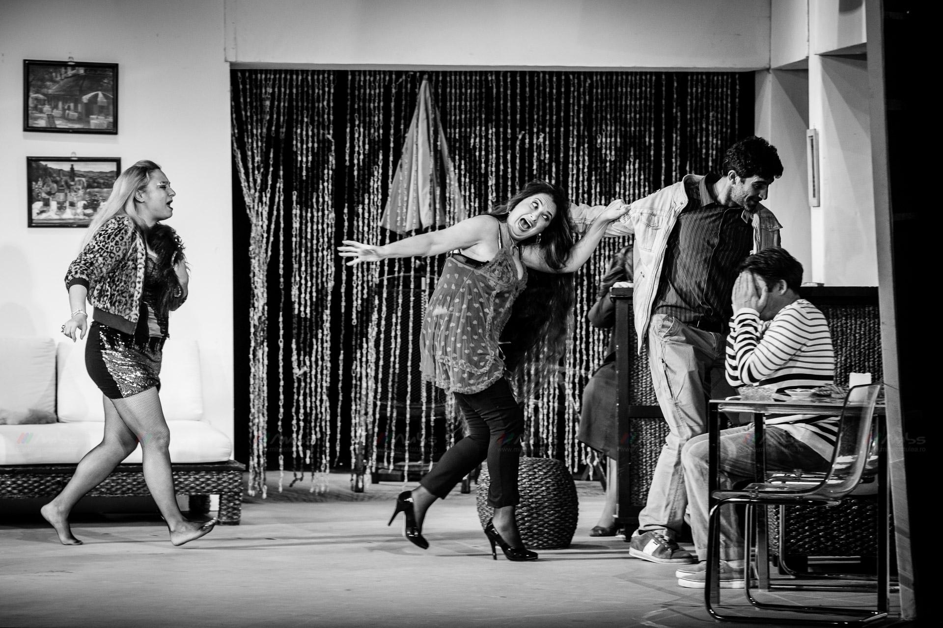 Teatru mic - Cristian Iacob - fotografie de teatru - Regia: Gelu Colceag